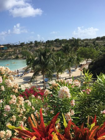 Saint Philips, Antigua: Overlooking the beach