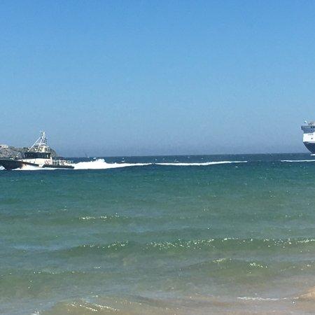 Playa de El Puntal: Entrada a puerto de Ferry ⛴  Baie de Seine de la compañía Brittany Ferries