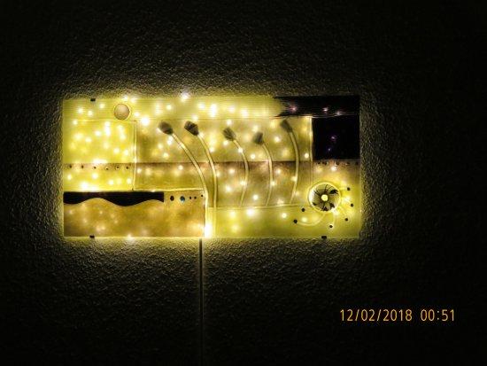 Wandbild Mit Lichterkette Als Indirekte Beleuchtung Bild Von Joska