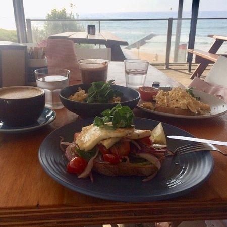 Bulli Beach Cafe: photo0.jpg