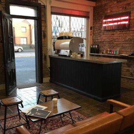 Rriot House: Coffee Bar