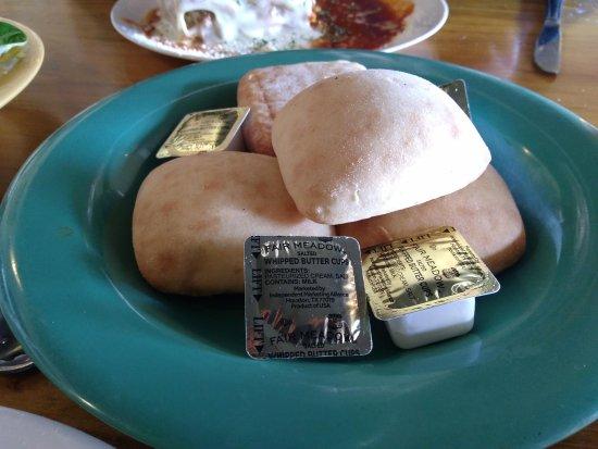 Mountain City, TN: Sister Schubert rolls were very good.