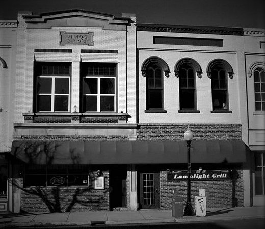 Ionia, MI: Front Exterior Lamplight Grill