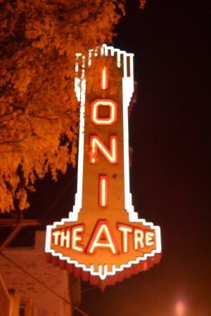 Ionia, MI: Neon