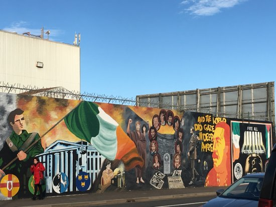 cabtoursNI : One of the many peace walls in Belfast