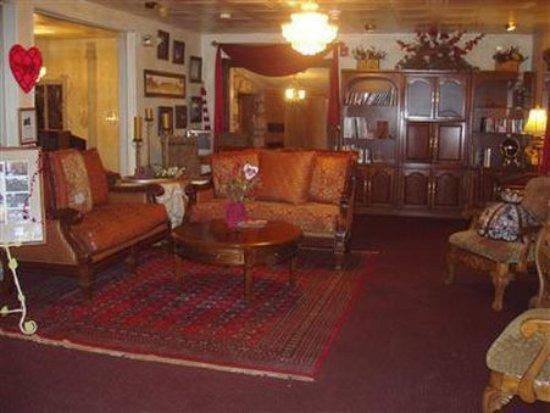 Brook Forest Inn and Spa: Lobby