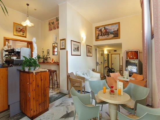 Hotel Club Sorrento: Bar/Lounge
