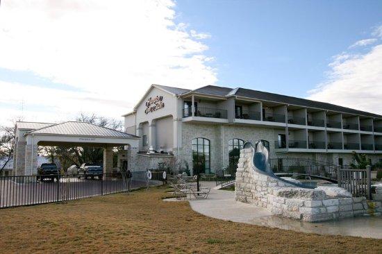 Hampton Inn & Suites Fredericksburg: Exterior