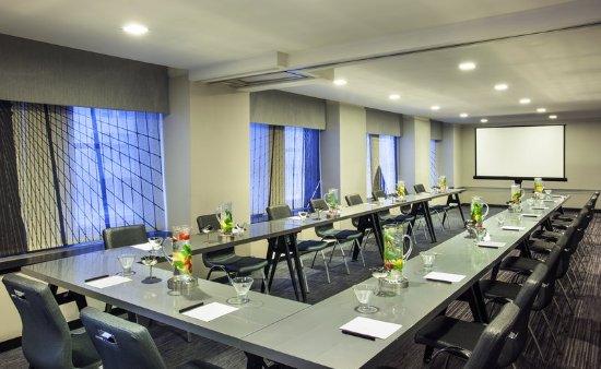W New York: Meeting room