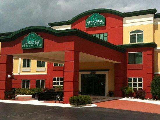 GrandStay Hotel & Suites Appleton-Fox River Mall : Exterior