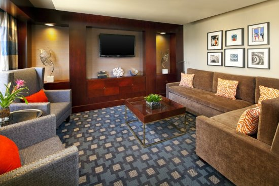 Hotels Near Fairplex  W Mckinley Ave Pomona California