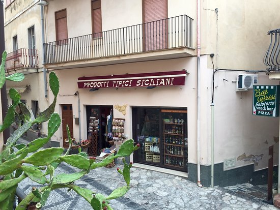 Castelmola, Italy: Place to buy regional delicacies