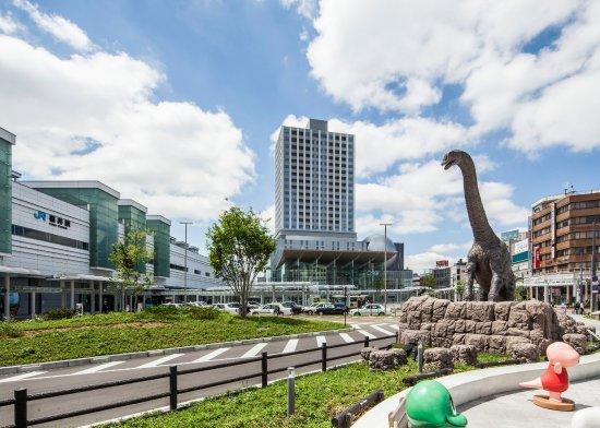 Fukui, Japan: JR福井駅より徒歩1分、反対側には恐竜広場もあります。