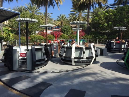 LEGOLAND California: Rides not full and no line up