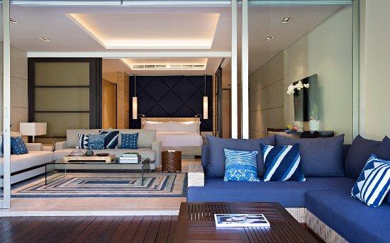 One-Bedroom Lagoon Pool Residence