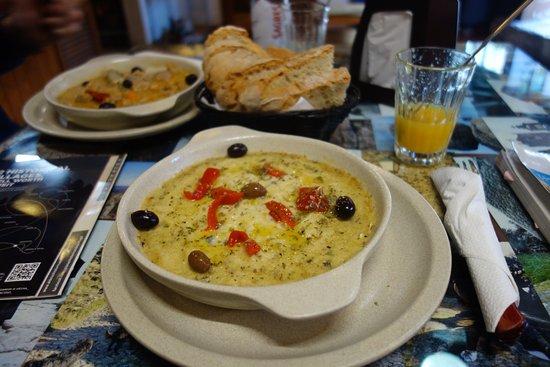 Taverna Lusitana: チーズがタップリで美味しかった。