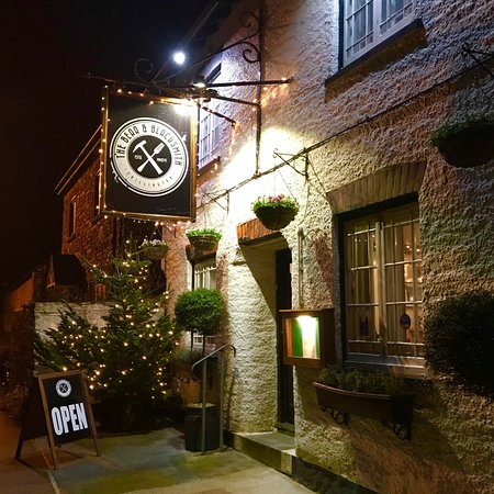 Chillington, UK: The Bear and Blacksmith