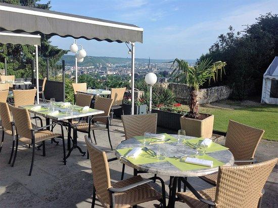 Mont-Saint-Aignan, Francia: Terrasse