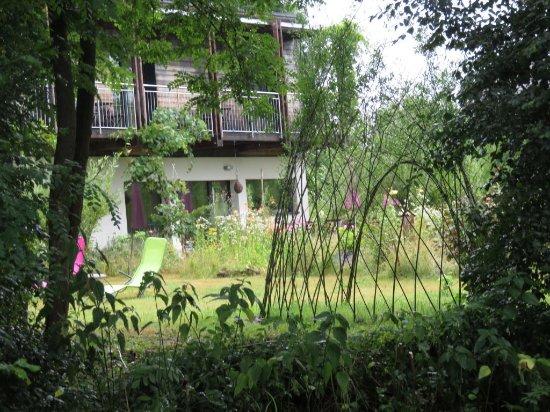 l 39 espace d tente au jardin picture of les gourmandises bio recologne tripadvisor. Black Bedroom Furniture Sets. Home Design Ideas