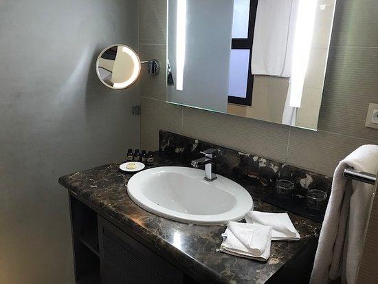 Hình ảnh 20 mẫu lavabo đẹp và độc đáo