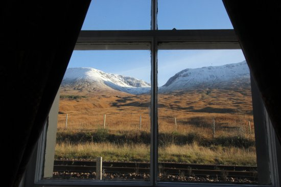 Bridge of Orchy, UK: Mountains from Lounge