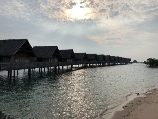 Sugi Island, Ινδονησία: Villas over water