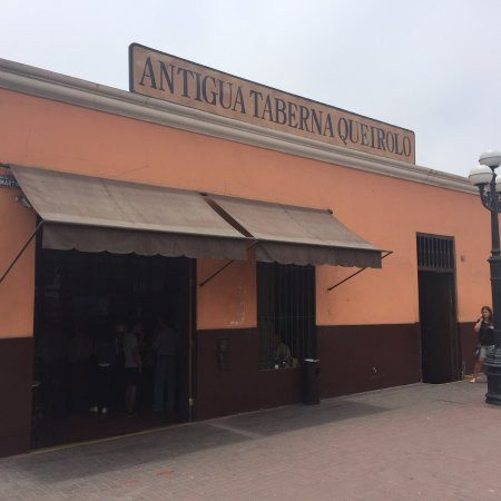Antigua Taberna Queirolo: photo4.jpg