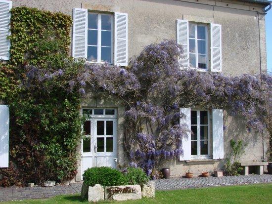 Nonant, Frankrijk: Façade de la maison