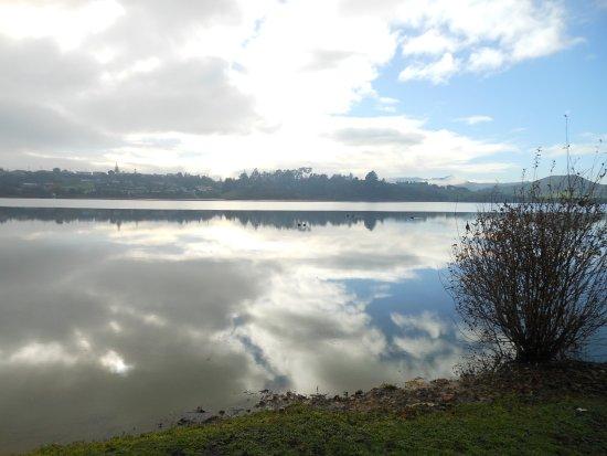 Hakanoa Lake with ducks swimming