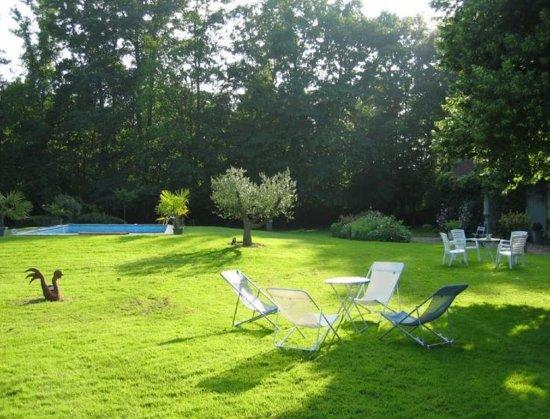 Saint-Branchs, Frankrig: Extérieur avec la piscine