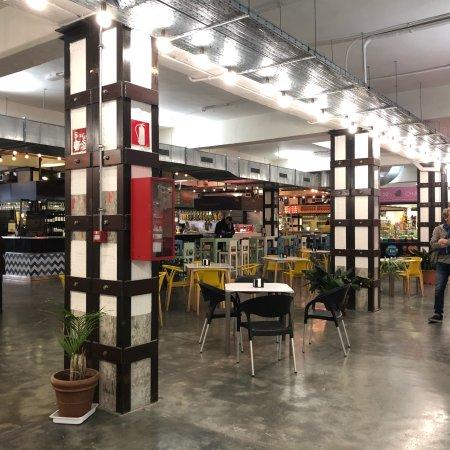 Restaurante mercado merced en m laga con cocina otras for Cocinas malaga precios