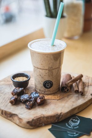 Prestwich, UK: PRES smoothie with oats, dates and cinnamon