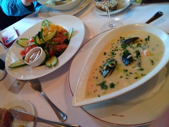 Engebret Cafe Photo