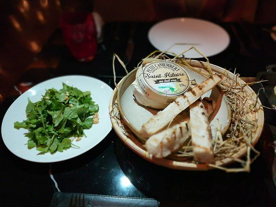 The District Grill Room and Bar: melted camembert