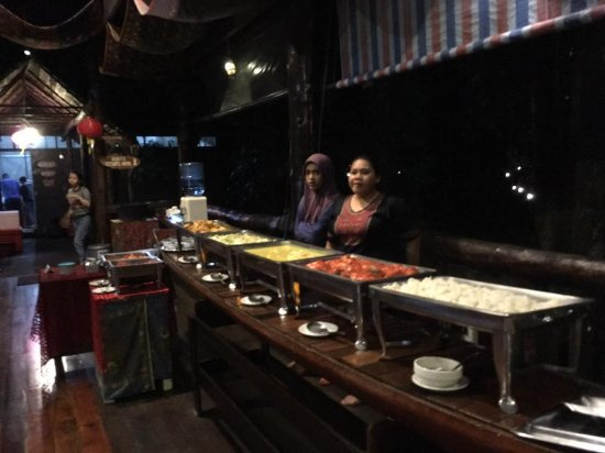 Kota Kinabatangan, Malezya: Buffet for dinner