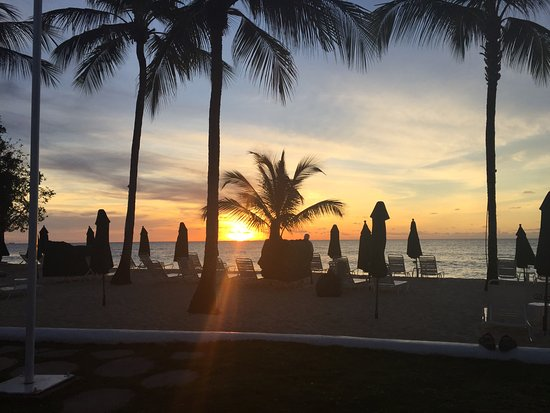 Porters, Barbados: Sunset from the bar looking out across the beach.