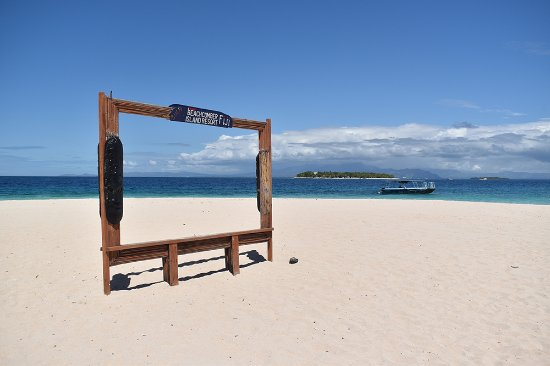 Beachcomber Island, Fiji: The Insta-friendly picture frame!