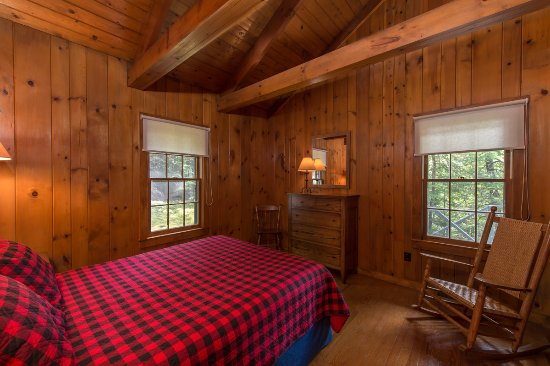 North Hudson, NY: Marcy Cottage Bedroom