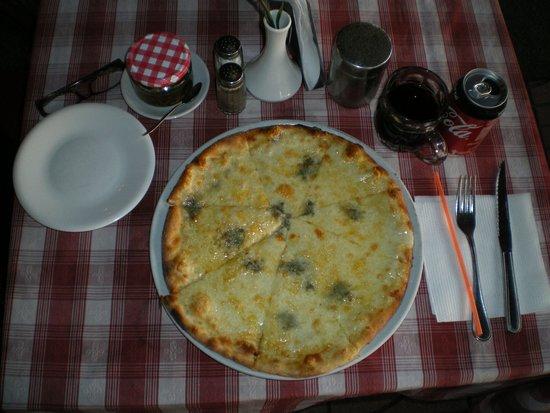 La Siciliana : Pizza Quattro Fromaggi