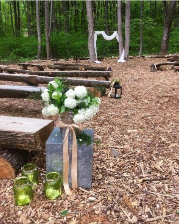 Lovettsville, VA: The Woodland Glen ceremony site