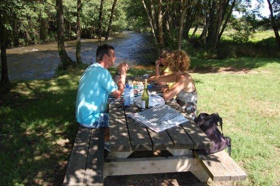 Epiry, Francia: Sur Yonne ligt aan de gelijknamige rivier de Yonne