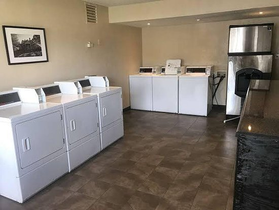 Motel 6 Atlanta Northeast - Norcross: 24/7 Guest Laundry with Microwave and Ice Machine