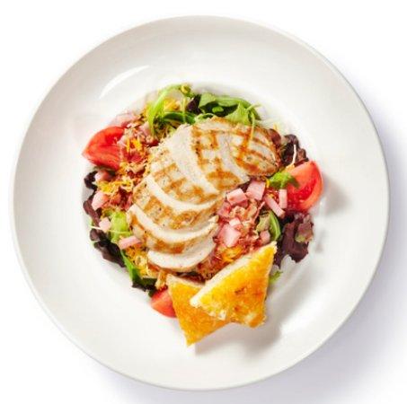 Columbus, MS: Grilled Harveys Club Salad
