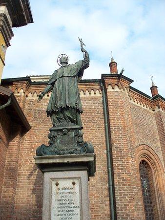 Monumento a San Carlo Borromeo