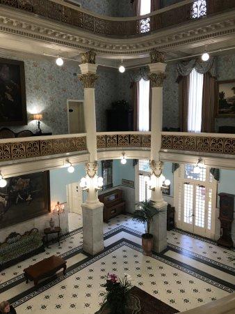 Menger Hotel: Victorian Lobby