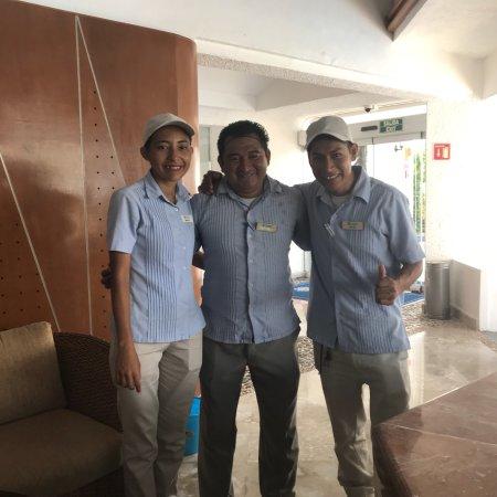 Sunset Marina Resort & Yacht Club: Santiago Raúl Monserrat y Artemio excelentes en al área del bar muchas gracias por su atención