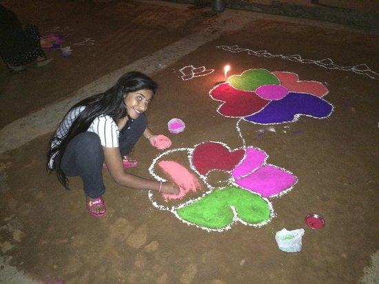 Balthali, Nepal: Vorbereitung auf das Tihar Festival
