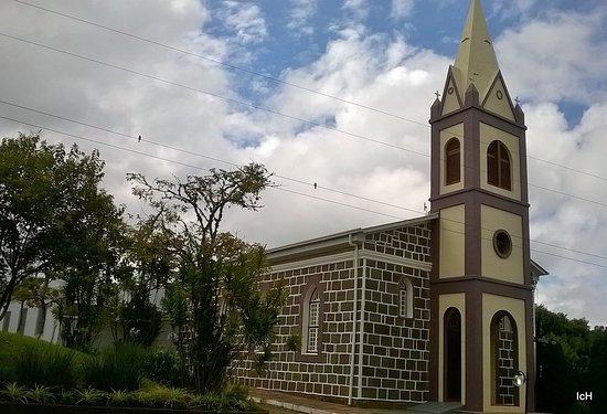 Igreja Evangélica Padre Eterno Baixo