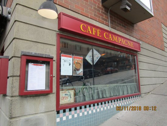 Cafe Campagne: Exterior from the street