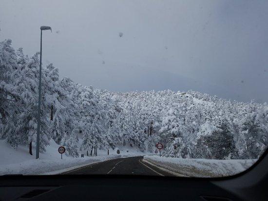 Puerto de Navacerrada, Испания: preciosa nevada